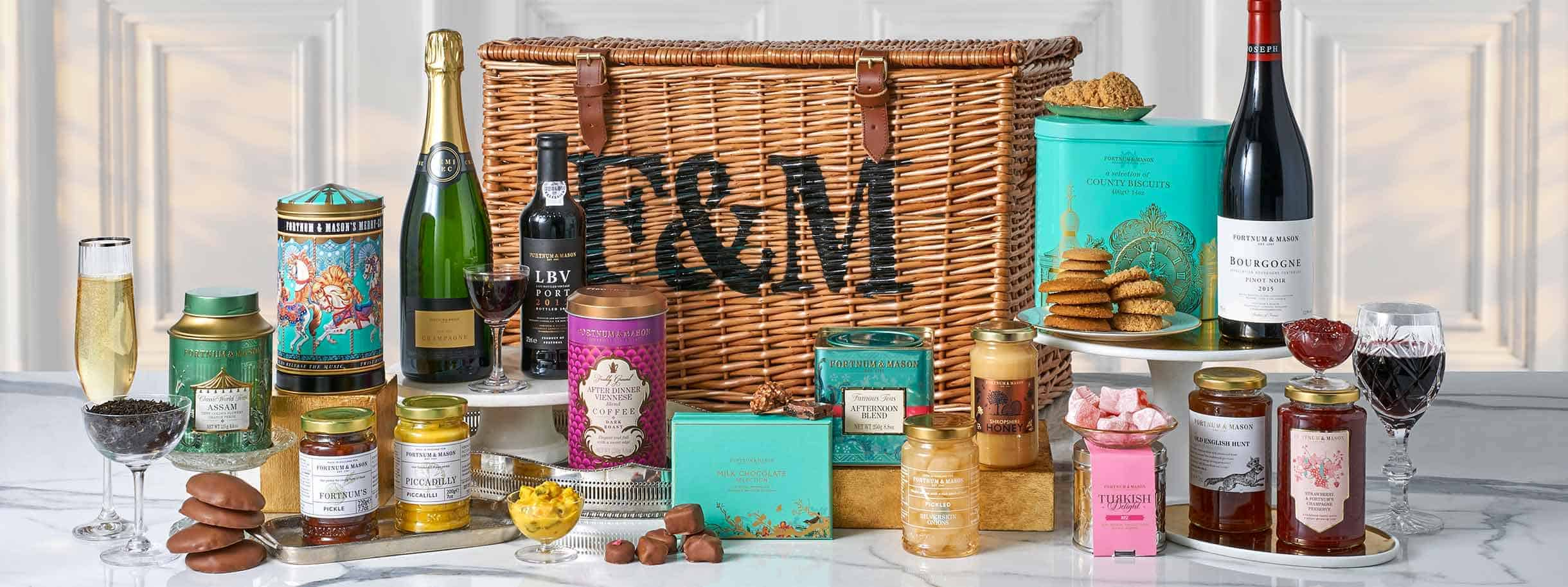 Ultimate guide to Luxury Gift Hampers